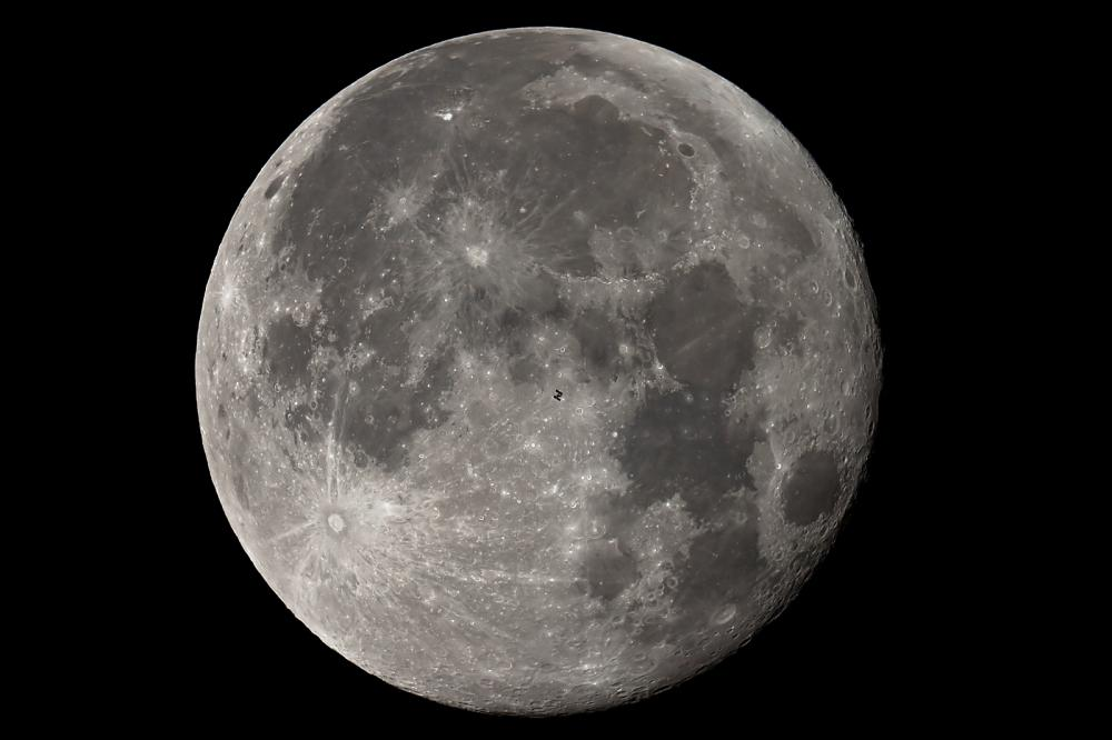 29wrz15_ISS_Moon_G0342.thumb.jpg.10f0e29
