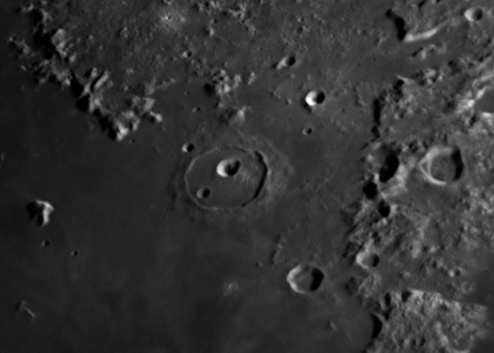 Moon_220532_AS_f100_g3_ap289-Cassini.jpg