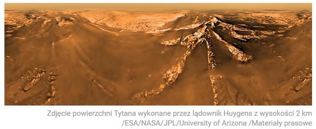 Pożegnalny pocałunek sondy Cassini z Tytanem2.jpg