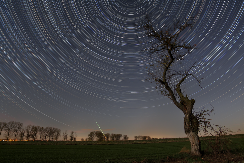 59fab5d9c430e_Startrails30_10_2017.thumb.png.b872400355a43f952b6d551787b5cd8e.png