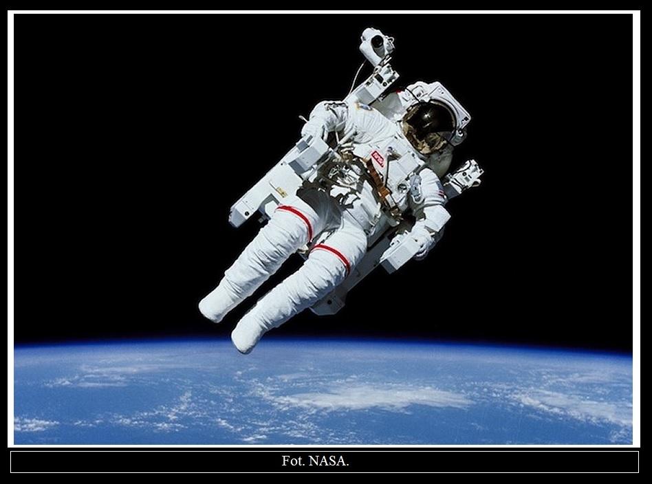 Astronauci będą wyposażeni w przycisk zabierz mnie do domu2.jpg