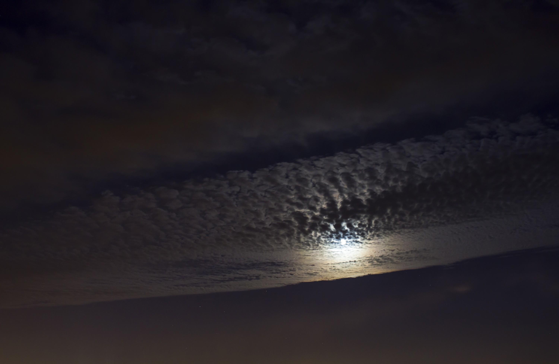 chmurki i księżyc.jpg