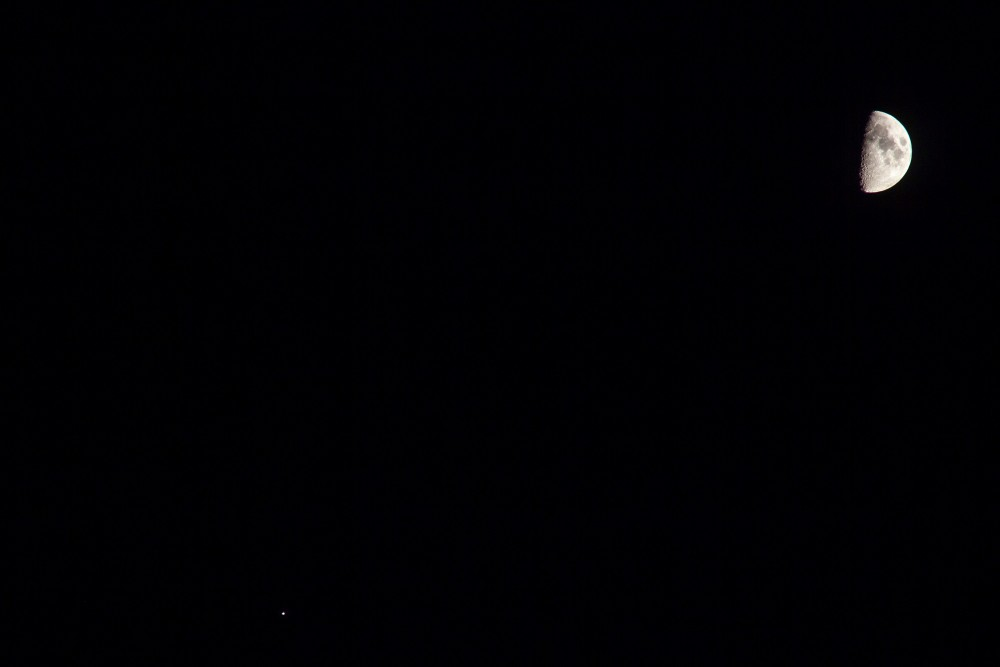 jowisz i księżyc.jpg
