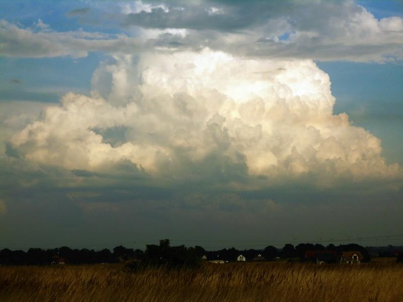 Wakacyjna chmurwa.jpg
