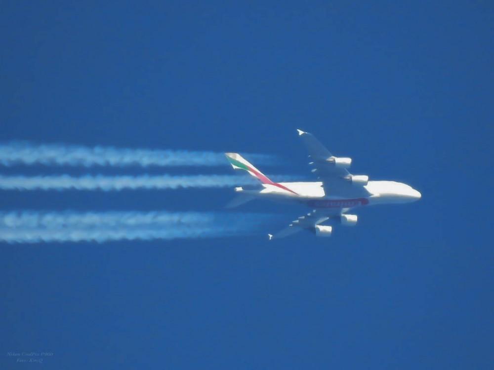 Airbus A380-861.jpg