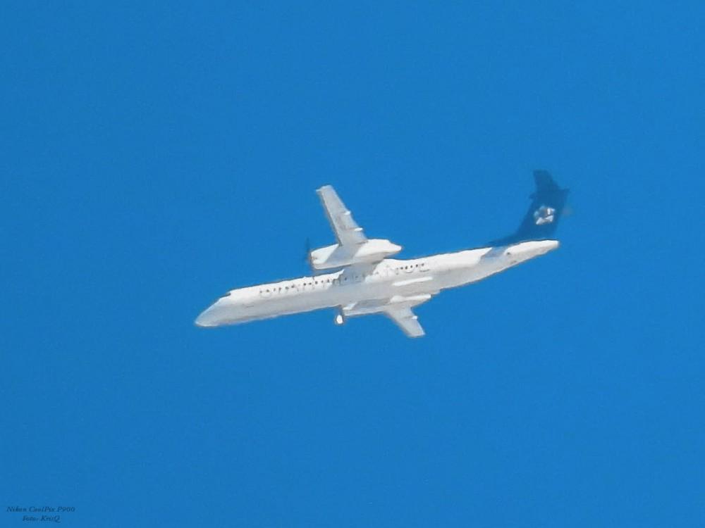 Bombardier Dash 8 Q400-.jpg