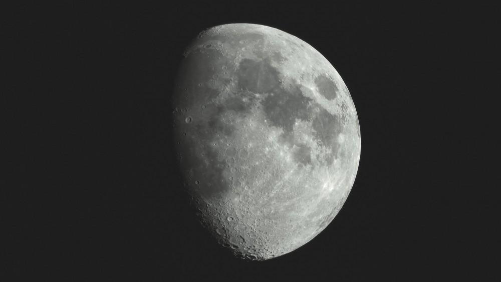 moon2501crop.jpg