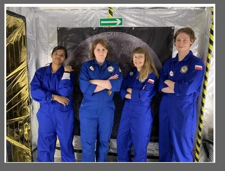 Pierwsza analogowa misja kosmiczna w habitacie w Rzepienniku3.jpg