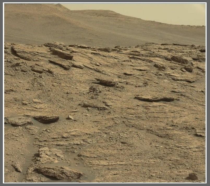 Łazik Curiosity wspina się coraz wyżej - 7 lat misji zdjęcia10.jpg