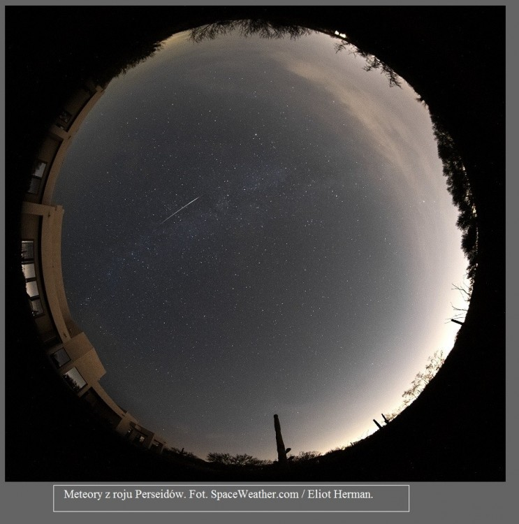 Nie widziałeś w nocy spadających gwiazd Zobacz meteory z roju Perseidów na świetnych zdjęciach6.jpg