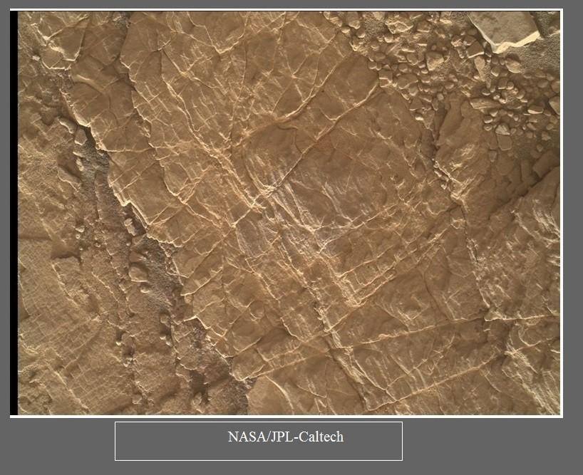 Łazik Curiosity wspina się coraz wyżej - 7 lat misji zdjęcia18.jpg