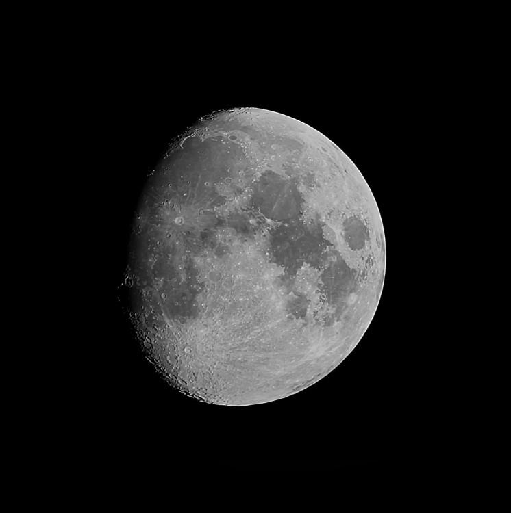 Moon_1-1.thumb.jpg.9b940a4a51ca09b420e2c2ce392a4115.jpg