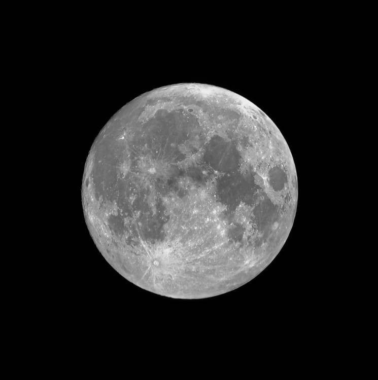 Moon_1.5.thumb.jpg.76586f28ab045cd19ddbfaaf96f2b8e9.jpg