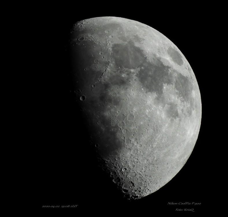 Moon_LR_small.jpg