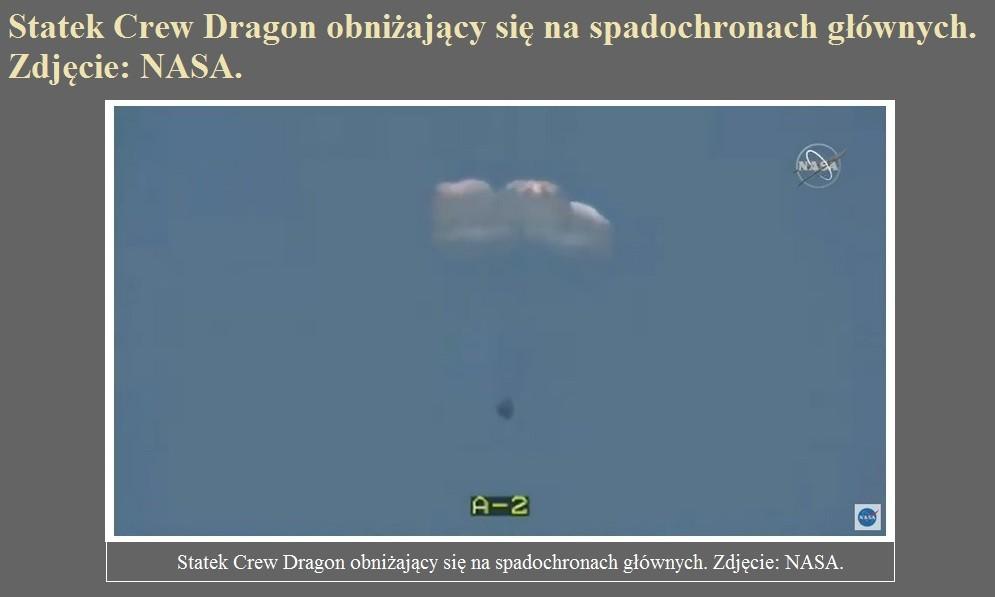 Astronauci Hurley i Behnken wrócili na Ziemię w statku Crew Dragon.jpg