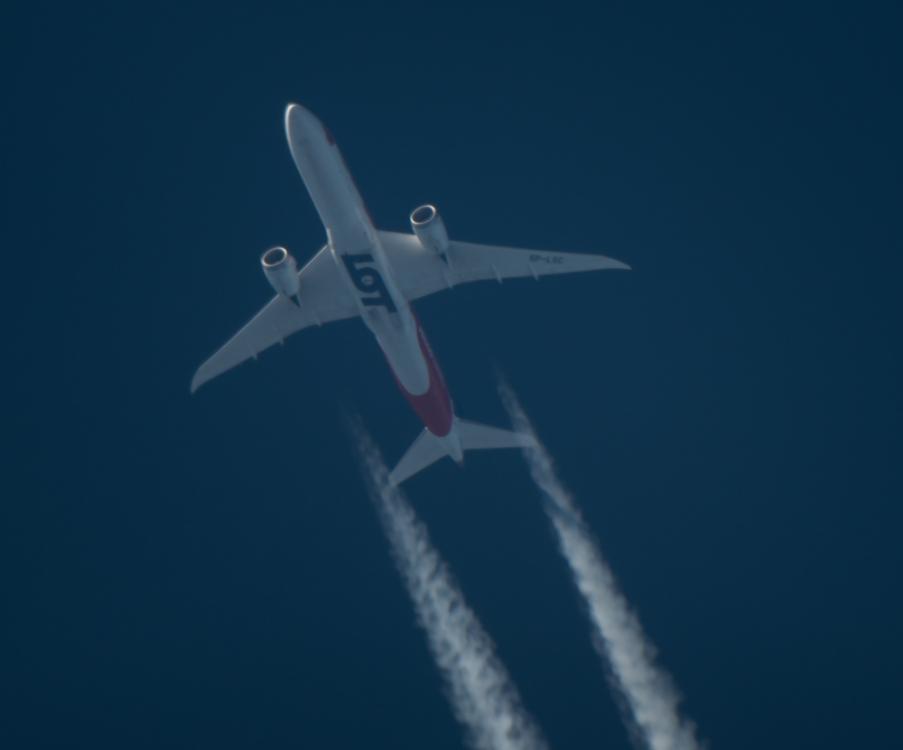 1388423583_samolot(1z1)-4.thumb.jpg.7e7d53a6fd2b2df0c59026dd53b2ded4.jpg
