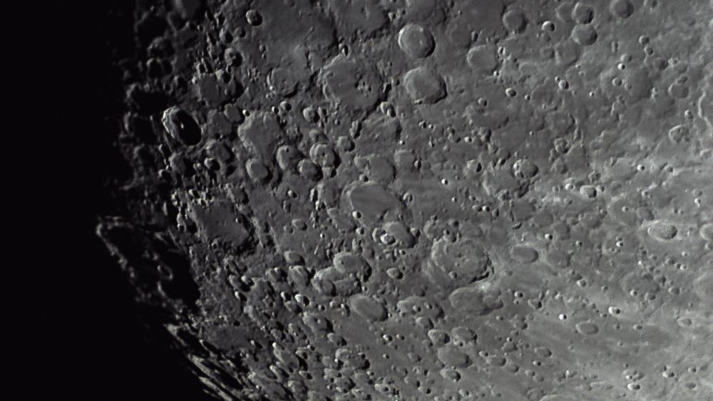 krater.thumb.jpg.1cbb85df4be05a5192d0d32a18c5ed9b.jpg