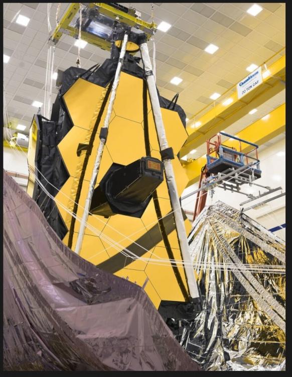 Kosmiczny Teleskop Jamesa Webba coraz bliżej. Przygotowania do startu trwają2.jpg