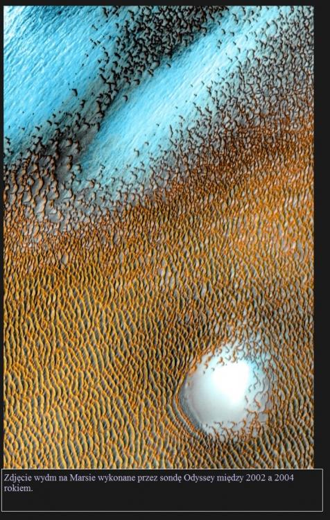 Sonda Mars Odyssey wystartowała 20 lat temu. Wciąż obserwuje Marsa2.jpg