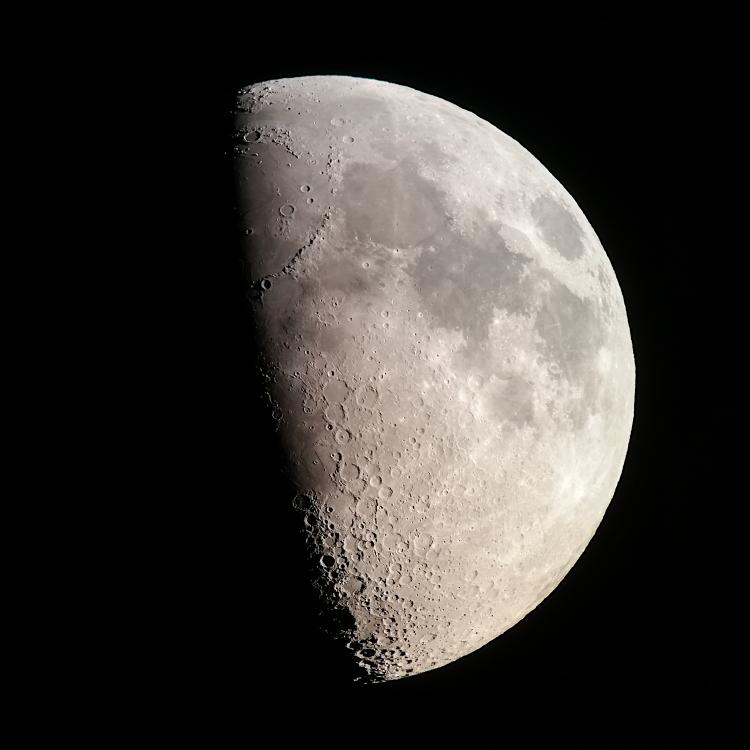 Moon_18062021_flip.jpg